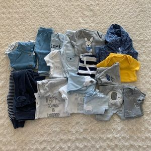 Carter's bundle of 8 matching outfits (20 pcs)